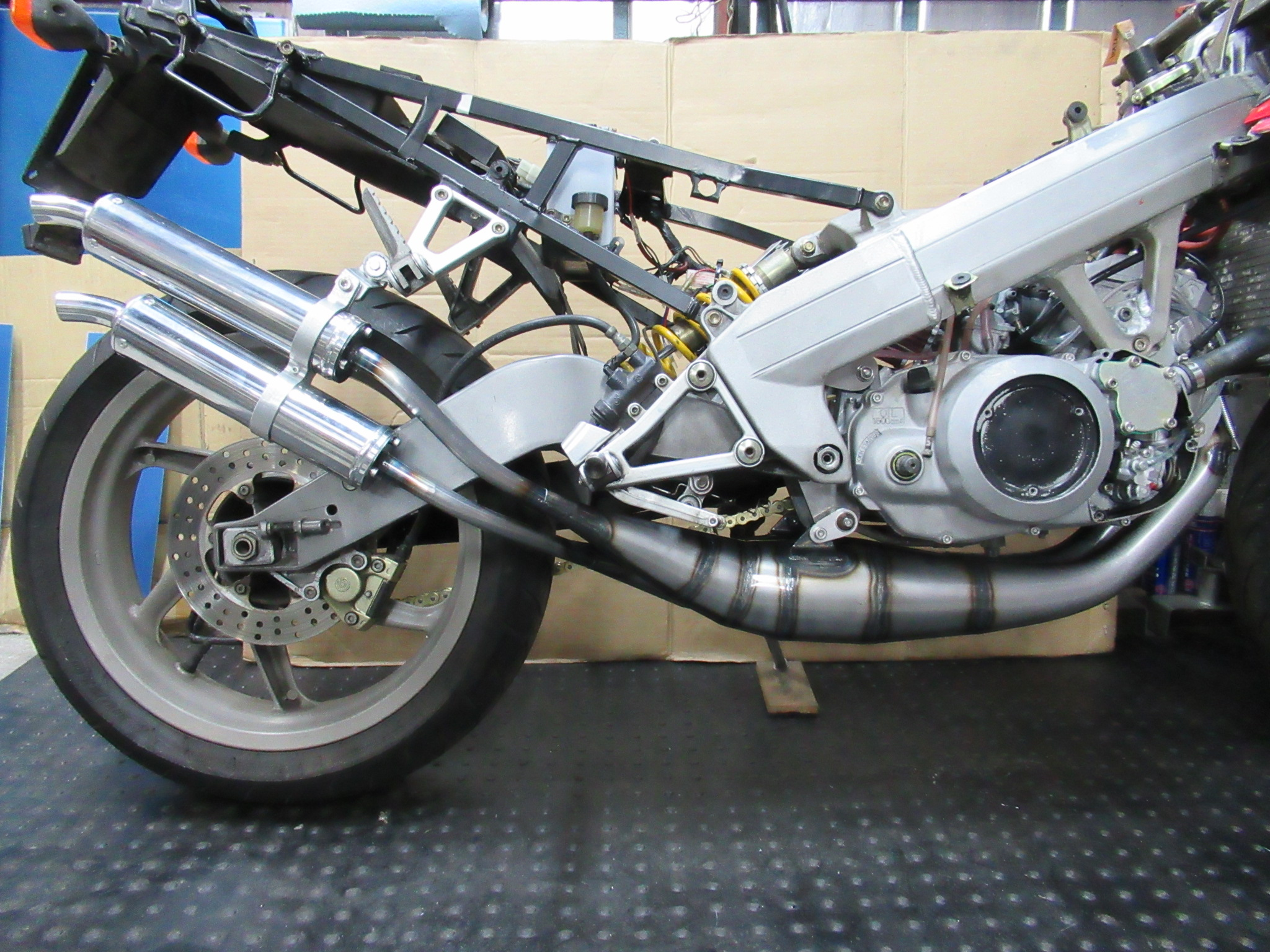 http://www.precious-factory.com/preciousfactory2010/IMG_0397.JPG